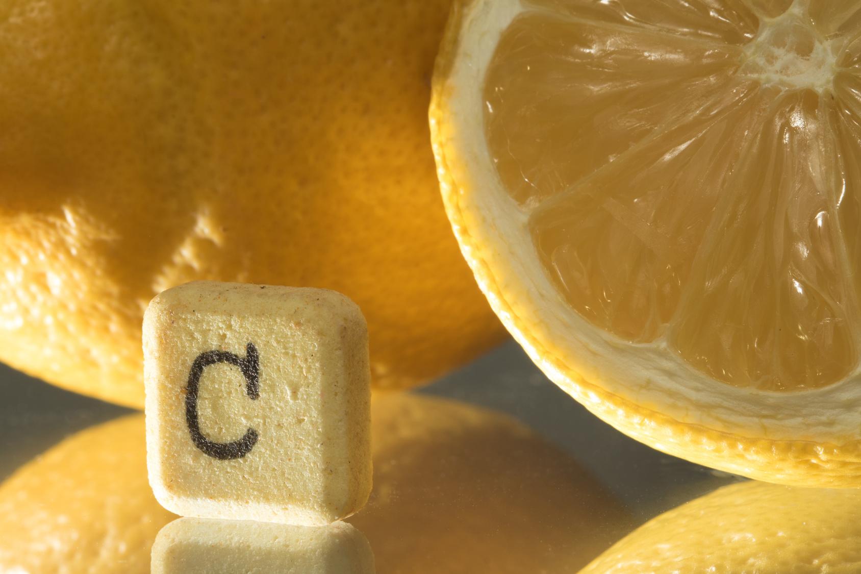 witamina-c-przyklady-zwywnosc-owoce